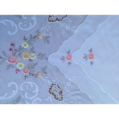 Σετ Καρέ κεντητό με 4 πετσέτες 85x85 - DressingHome - Οπαλίνα C | Τραπεζομάντηλα | DressingHome