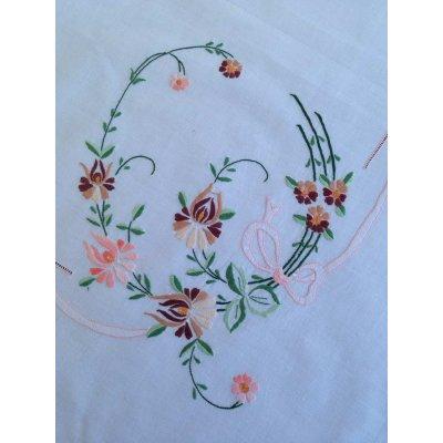 Σετ Καρέ κεντητό με 4 πετσέτες 85x85 - DressingHome - 17602 - Σομόν | Τραπεζομάντηλα | DressingHome