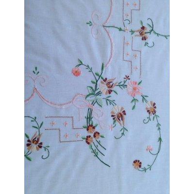 Σετ Τραπεζομάντηλο κεντητό με 6 πετσέτες 130x170 - DressingHome - 17602 - Σομόν | Τραπεζομάντηλα | DressingHome